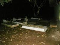 Etika Berkendara Melewati Kuburan