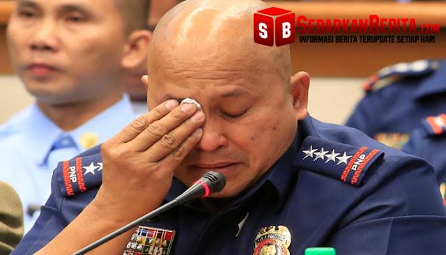 Tahu Anak Buahnya Terlibat Narkoba, Kepala Polisi Filipina Ini Nangis