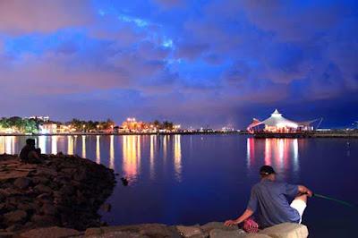 Pesona tempat wisata di kawasan jakarta memang kalah indah dan menarik jikalau dibandingkan de 4 Tempat Wisata Paling Populer Di Jakarta