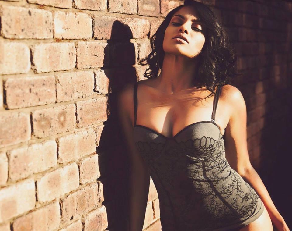 Chandrika Ravi Hot HD Pics Gallery ,Bio
