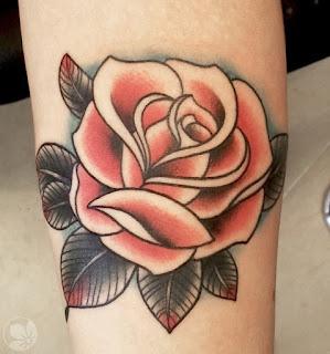 tato mawar di kaki
