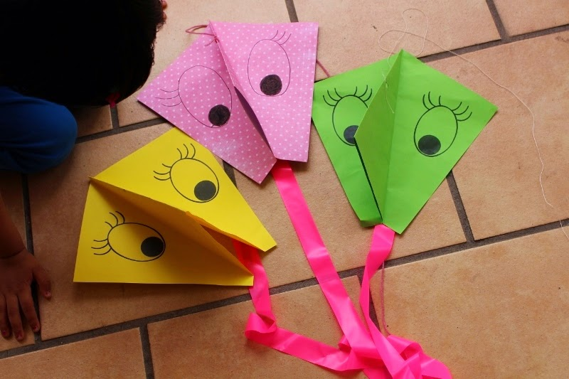 Life S Little Treasures Diy Kite Kids Craft Tutorial