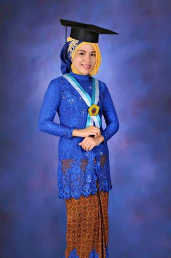 Model Kebaya Wisuda Warna Biru Elektrik
