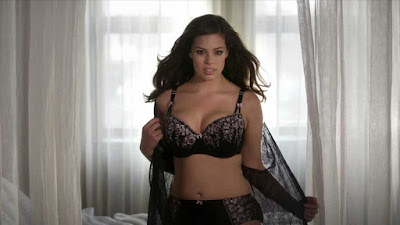 im-plus-size-lingerie-girl-ashley-graham