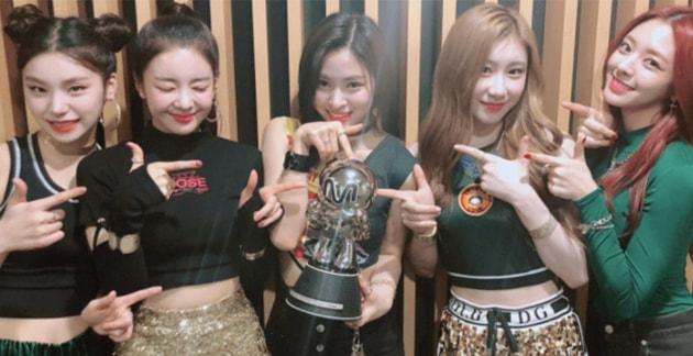 ITZY se convierte en el grupo de chicas con la mayor cantidad de victorias en un show musical