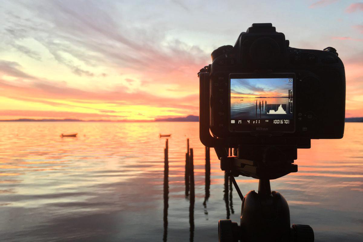 Live view kamera memabntu mendapatkan dan membuat foto keren di pantai