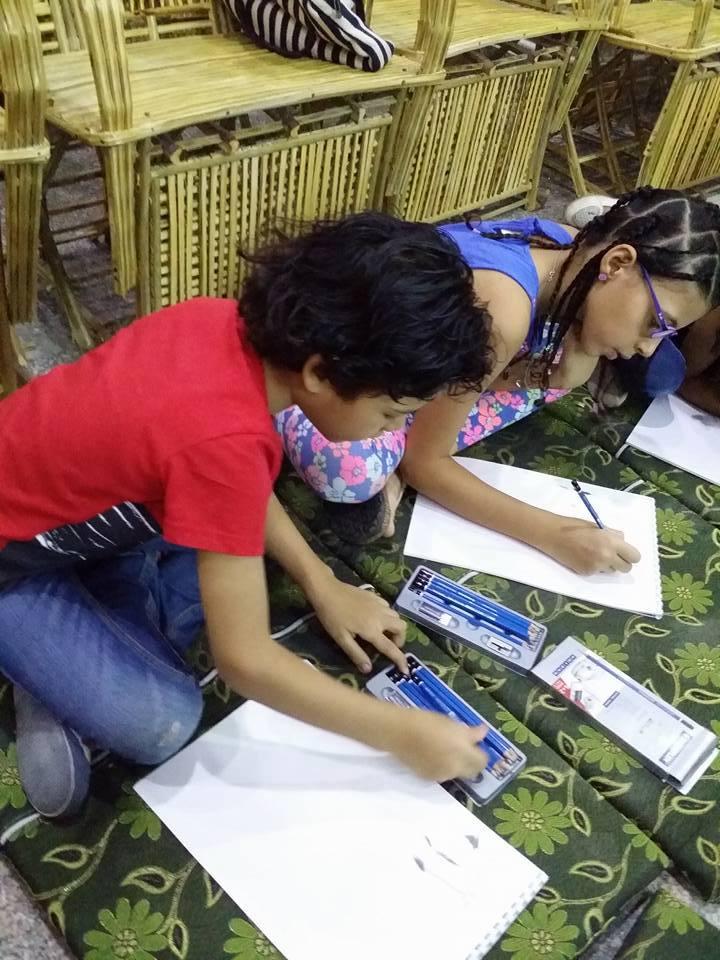 ورشة عمل لتعليم الأطفال اساسيات الرسم بالرصاص