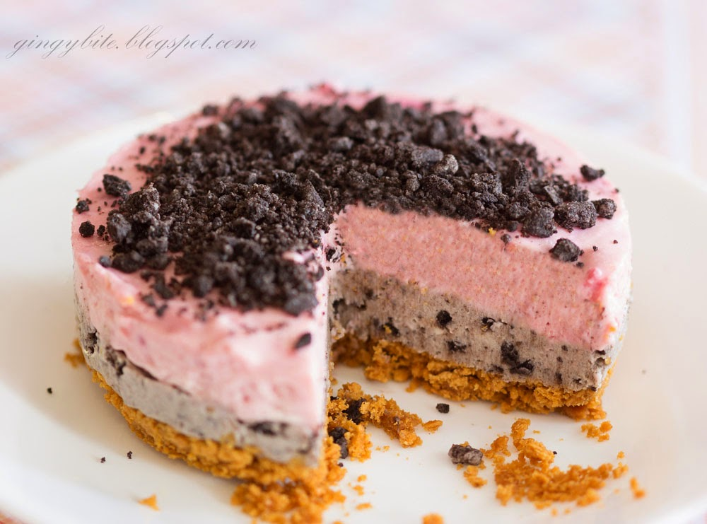 Oreo Raspberry Cheesecake