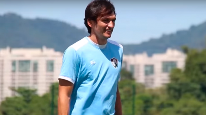Zagueiro Matheus Ferraz está pronto para ser titular do Fluminense 14dbafd3d000a