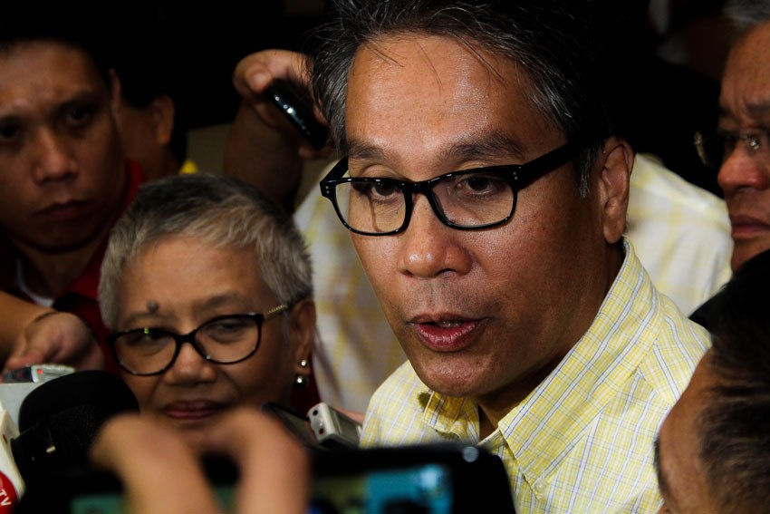 Critic slams Mar Roxas for insulting Muslims