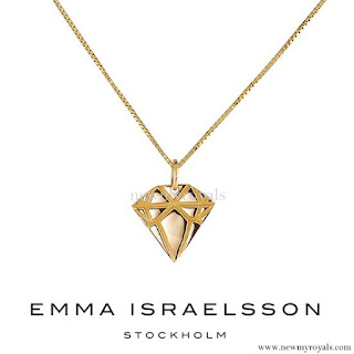 Princess Sofia jewels Emma Israelsson gold diamond necklace