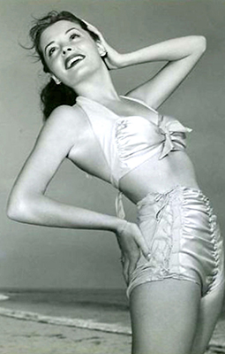 http://pinups-gogo.tumblr.com/post/156815597604/jane-greer-c-1945