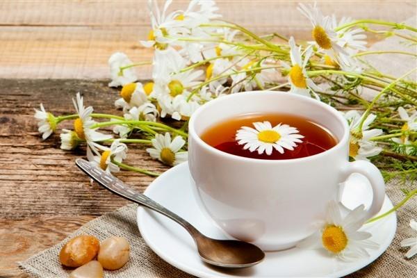 11 Manfaat Teh Chamomile bagi Kesehatan dan Kecantikan