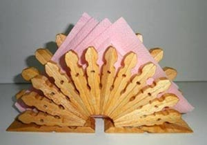 Servilletero con broches de madera