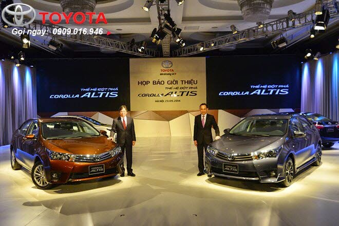corolla altis 2015 toyota tan cang -  - So sánh Toyota Corolla Altis 1.8G và 2.0V 2015 - Chiếc xe nào phù hợp với bạn hơn ?