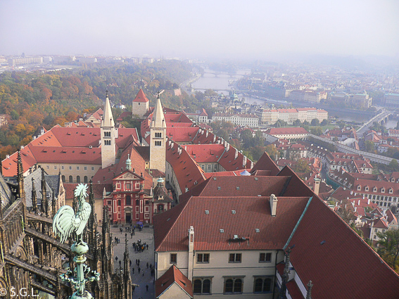 Vistas de Praga desde torre Catedral de San Vito