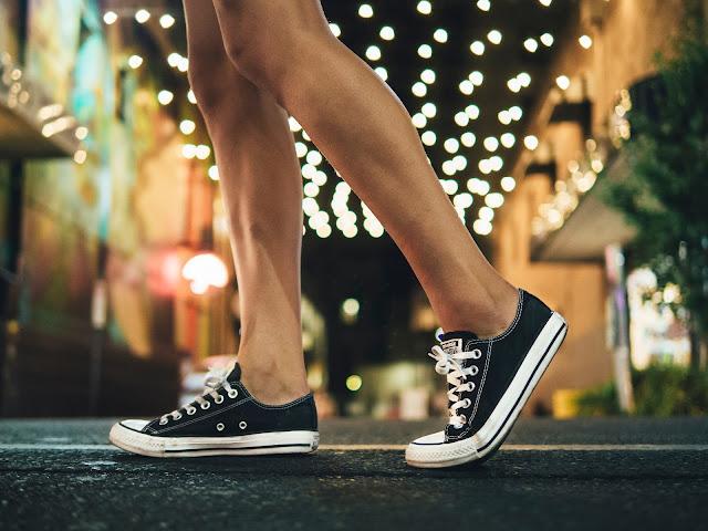 5 Rekomendasi dan Info Harga Sepatu Sneakers Pilihan untuk Generasi Millennial