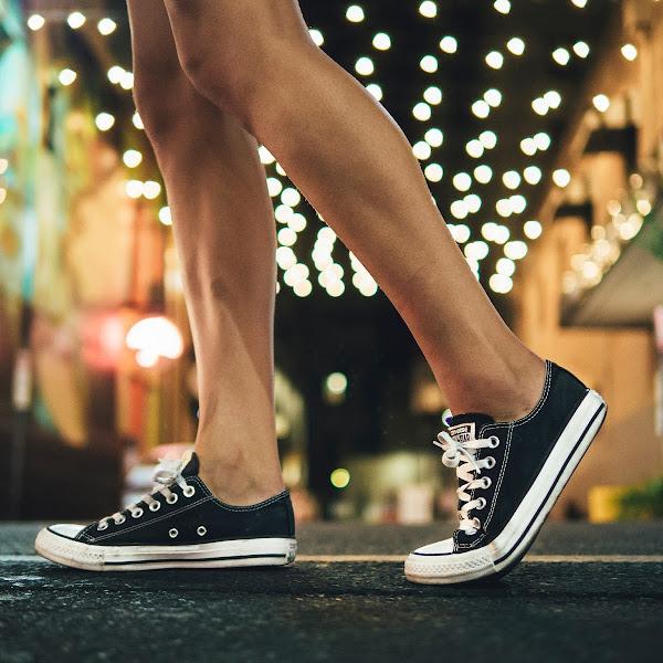 5 Rekomendasi dan Info Harga Sepatu Sneakers Pilihan untuk Generasi Millenial