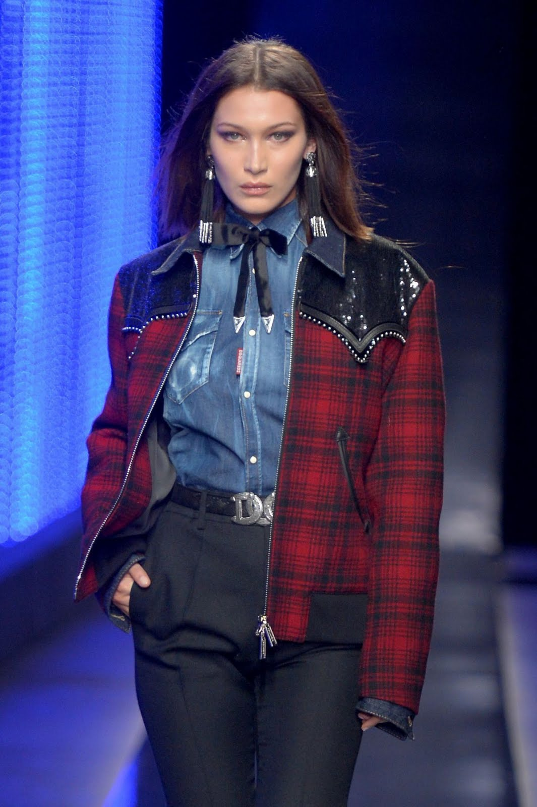 Bella Hadid At Dsquared2 Fashion Show In Milan Mens Fashion Week