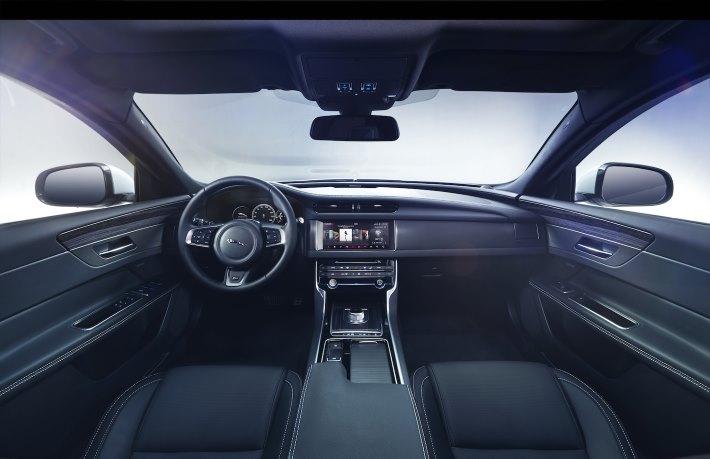 Image 15: 2016 Jaguar XF