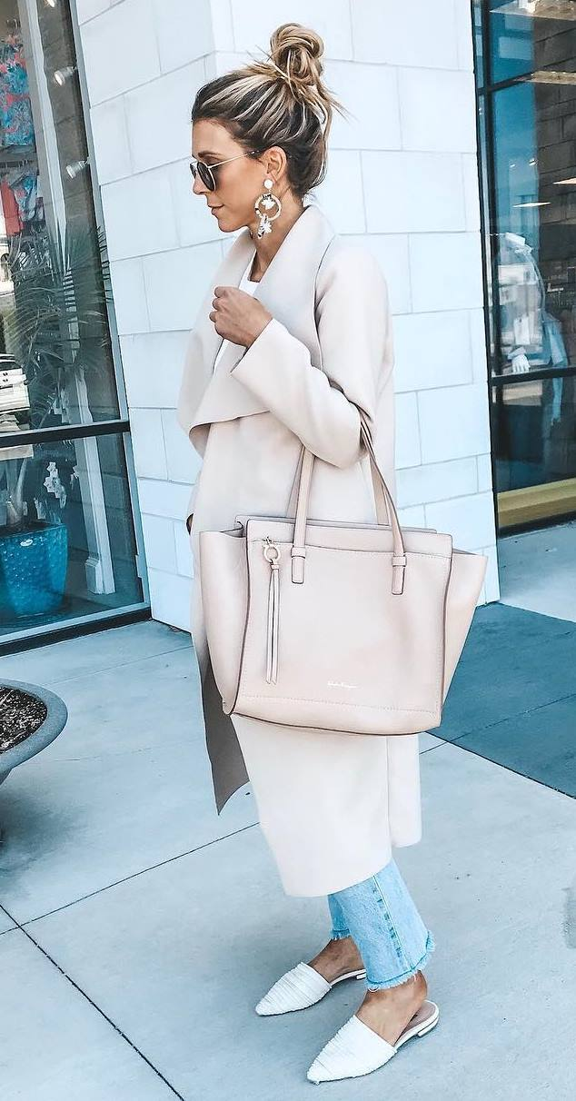 blush fall outfit inspiration / coat + handbag + jeans + white loafers