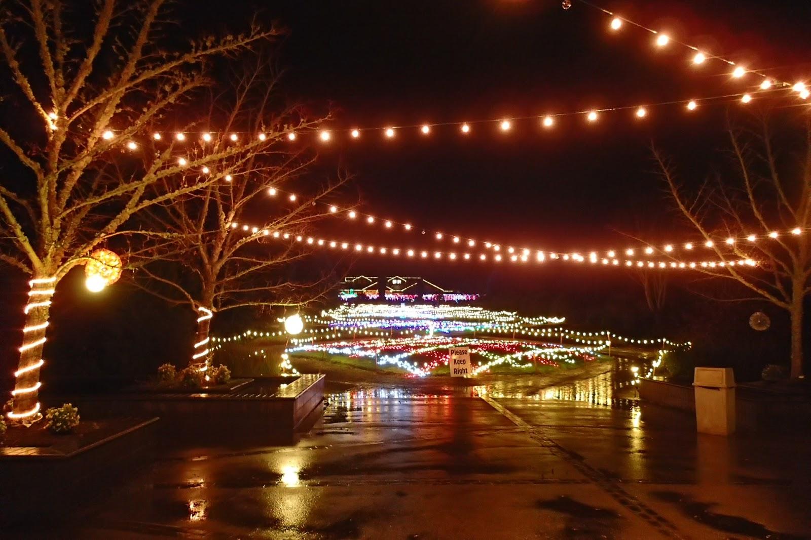 Casing Oregon: Christmas in the Valley: The Oregon Garden