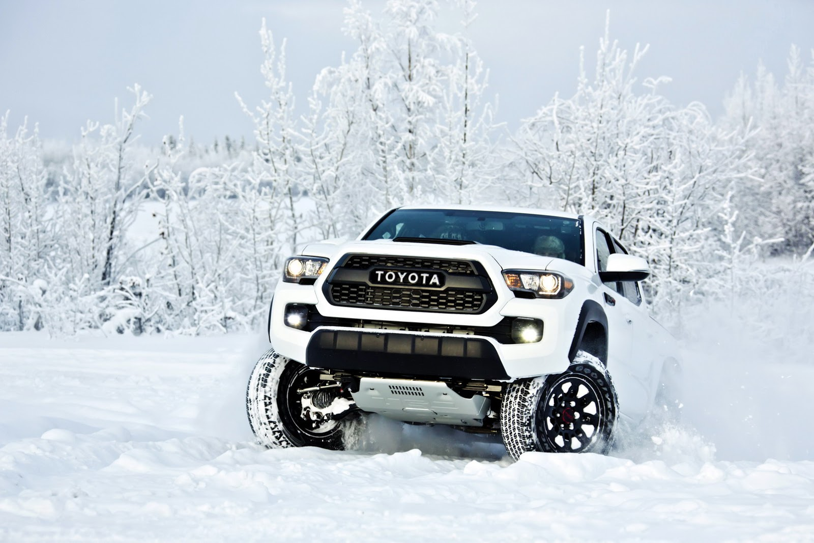 2017 Toyota Tacoma Trd Pro Is Like A Japanese Raptor Without The Power Carscoops Com
