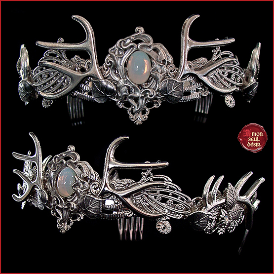 couronne elfique bois de cerf pagan ornement de cheveux medieval wiccan antlers crown white opal elven fairy woodland wedding circlet