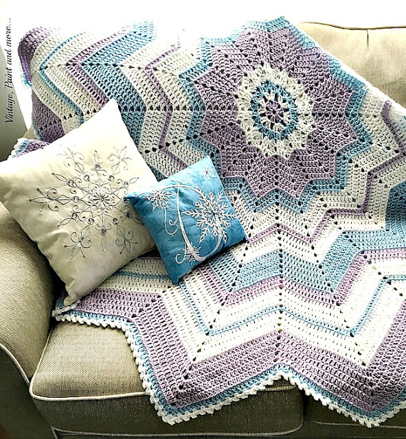 Vintage, Paint and more... ripple afghan done in a snowflake pattern