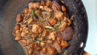 Braised Chicken with Chestnuts