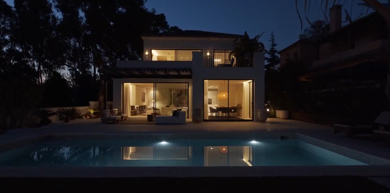 18 Photos vs. Modern villa close to the beach in Elviria, Marbella vs. Interior Design Tour