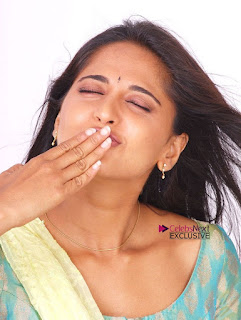 Actress Anushka Latest Exclusive Pictureshoot Gallery  0018.jpg