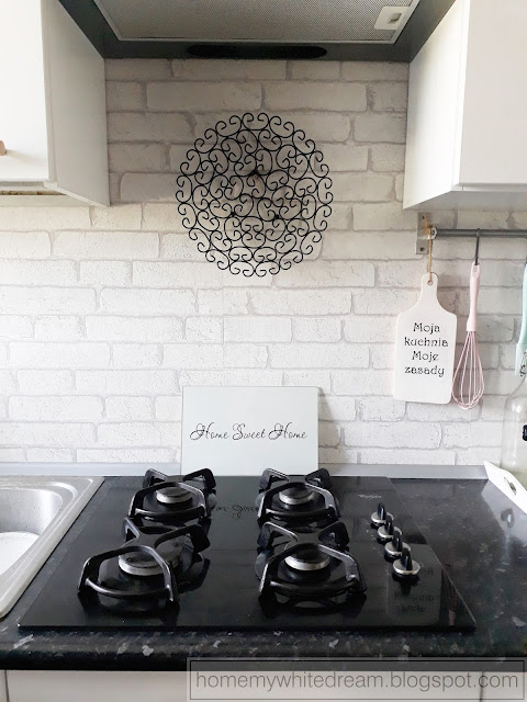 druciany koszyk Pepco, druciana patera, druciany rower, druciany świecznik, biało czarna łazienka, druciane dekoracje, dekoracje z drutu