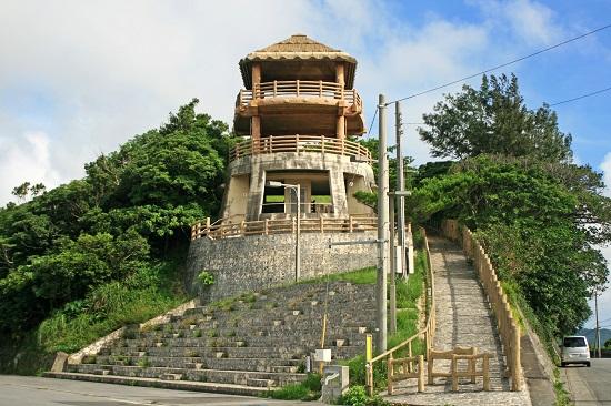 クワギブク嶽(金満の杜)の展望台の写真