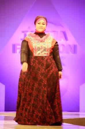 Contoh Model Baju Muslim Untuk Yang Berbadan Gemuk
