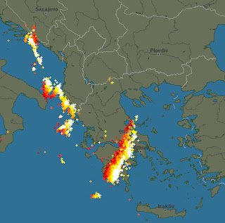 Δείτε σε πραγματικό χρόνο τις Ηλεκτρικές Εκκενώσεις (κεραυνούς) τώρα στην Ελλάδα.