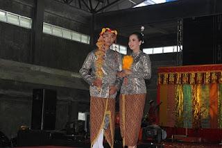 Baju Takwo suku Kutai Kalimantan Timur