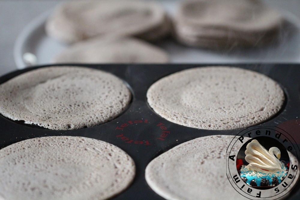 Brochettes de crêpes de sarrasin garnies de tarama au cabillaud
