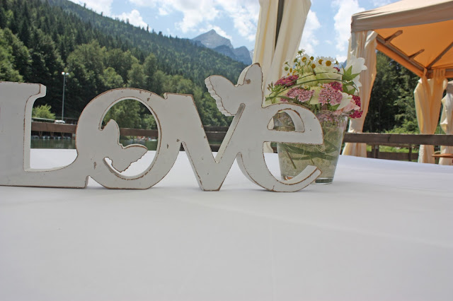 Kleine Sommerhochzeit in Pastellfarben im Riessersee Hotel Garmisch-Partenkirchen, heiraten in Garmisch, Bayern - Pastel colour scheme wedding in Bavaria