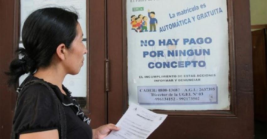 ¿Los colegios públicos pueden cobrar por matrícula o vacante?
