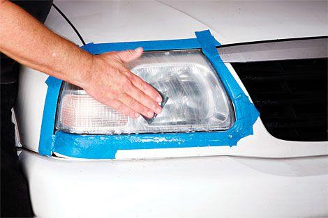 comment nettoyer les phares de voiture