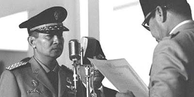 Soeharto di lantik oleh soekarno sebagai penggantinya menjadikan soeharto sebagai presiden RI kedua