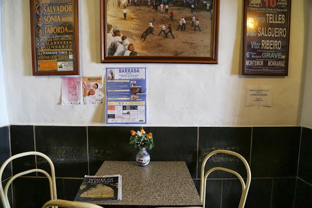 Monsaraz cafe, alentejo, pic: Kerstin Rodgers/msmarmitelover