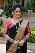 madhavi latha latest pics-thumbnail-8