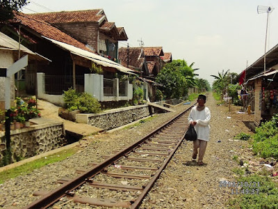 Pola pemukiman mengikuti rel kereta api - berbagaireviews.com