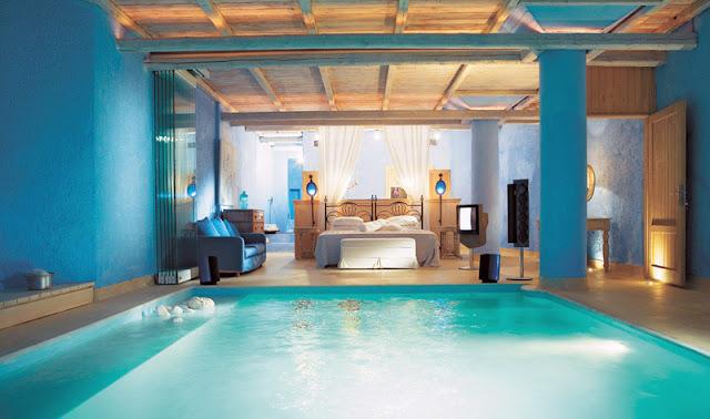 Desain kamar tidur rumah impian dengan kolam renang