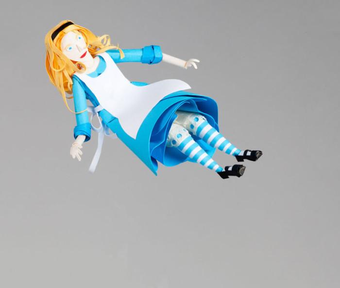 Алиса в стране чудес из бумаги