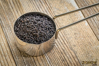 HOW TO MAKE BLACK CUMIN SEED OIL AND ITS USES 1
