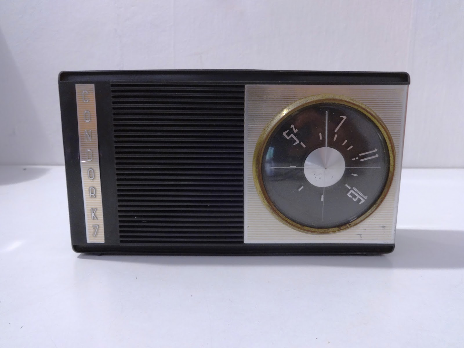 Poważnie mircogarau: Radio transistor Condor K7 2455 non testata vintage SR83
