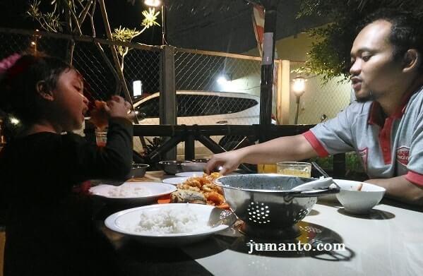 makan di pindang riu lampung